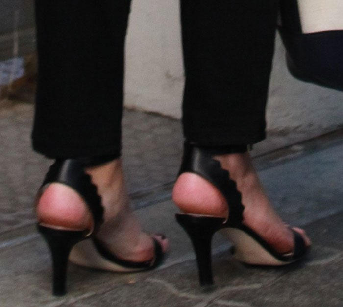 Reese-Witherspoon-Chloe-Scalloped-Sandals-1