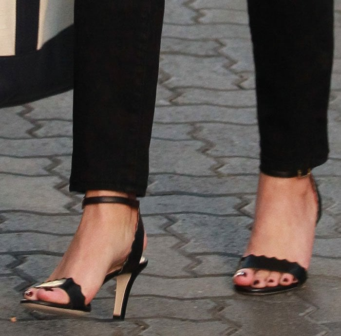 Reese-Witherspoon-Chloe-Scalloped-Sandals