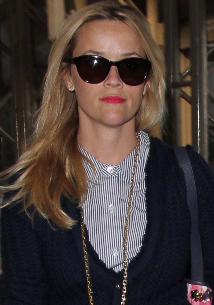 Reese Witherspoon LAX Manolo Blahnik 1