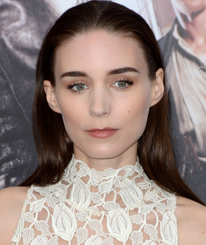 """Rooney Mara slicks her hair back and shows off her long eyelashes at the premiere of """"Pan"""""""