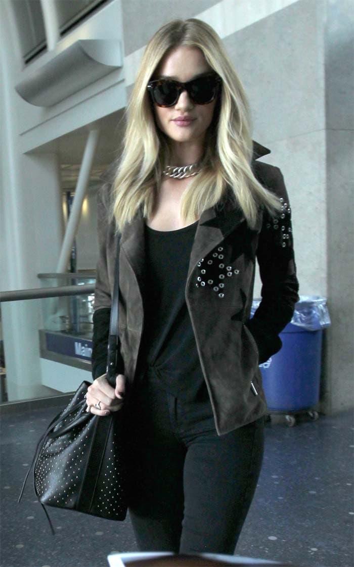 Rosie Huntington-Whiteley arrives at LAX