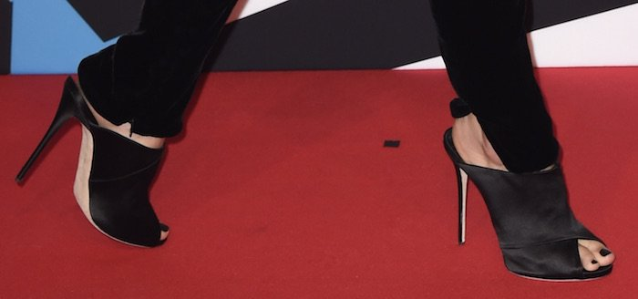 Ruby Rose EMA shoes1