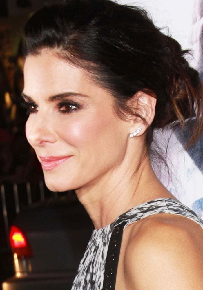 """Sandra Bullock with her hair back at the premiere of """"Our Brand Is Crisis"""""""