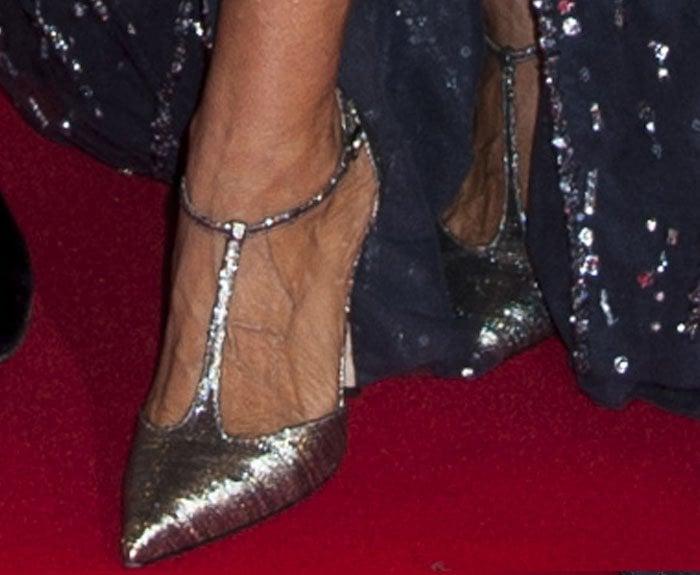 8b0e71b254d Sarah Jessica Parker Pulls a Carrie Bradshaw Moment at the New York ...