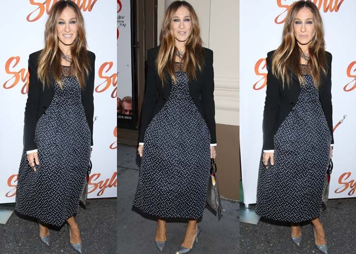 "Sarah Jessica Parker wears a Dior dress at the production of ""Sylvia"""