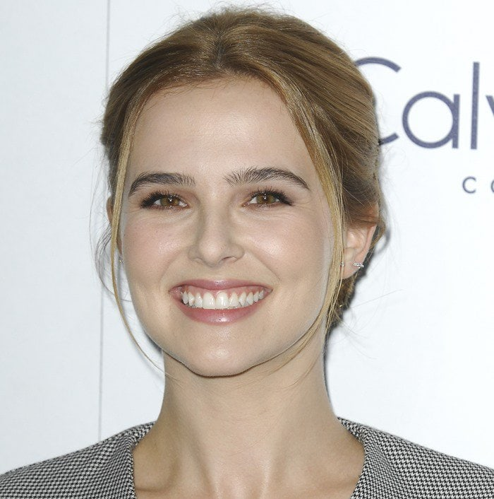 Zoey Deutch attends the 2015 Elle Women in Hollywood Awards