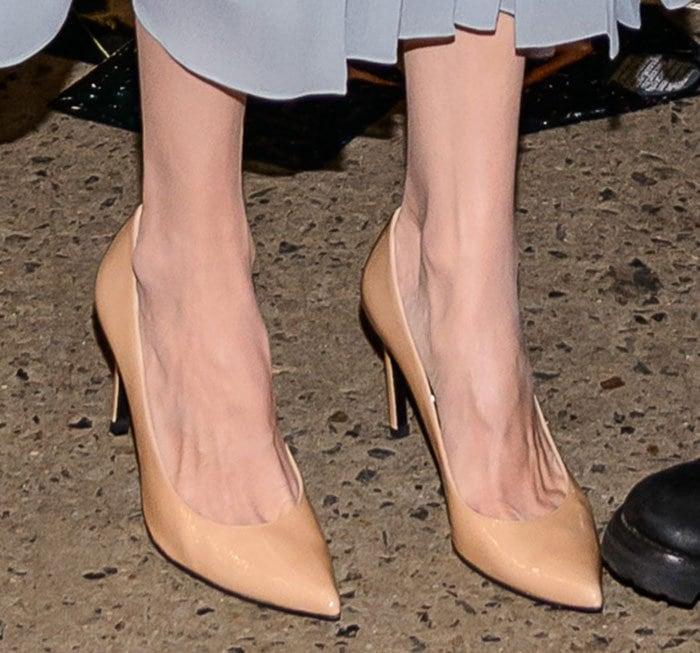 "Angelina Jolie's feet in ""Heist"" pumps"