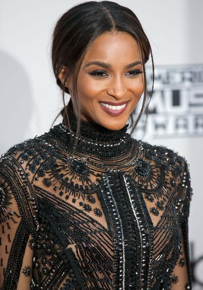 Ciara wears her hair back at the 2015 American Music Awards