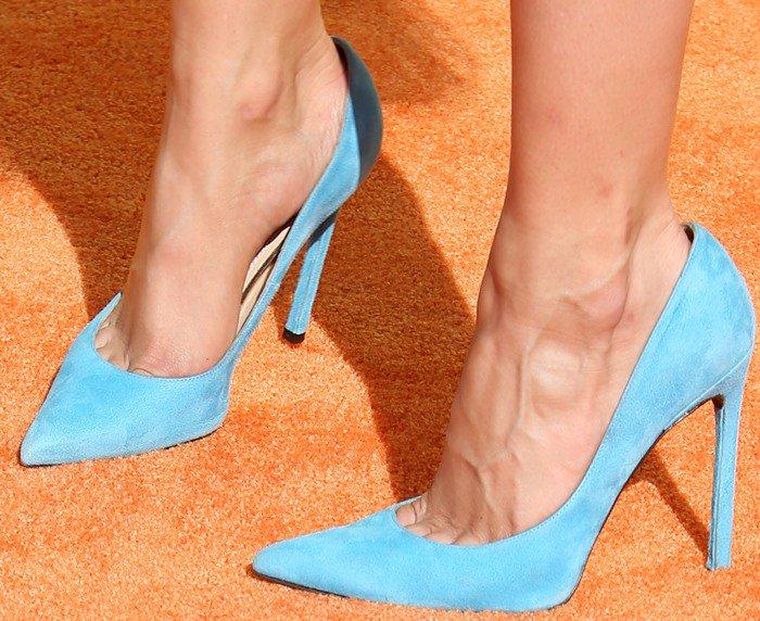 Debby Ryan's feet in Stuart Weitzman pumps