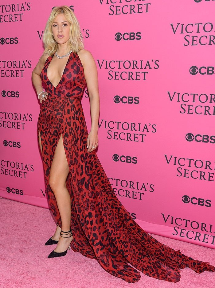 Ellie Goulding wears a Versus Versace gown on the pink carpet of the Victoria's Secret Fashion Show