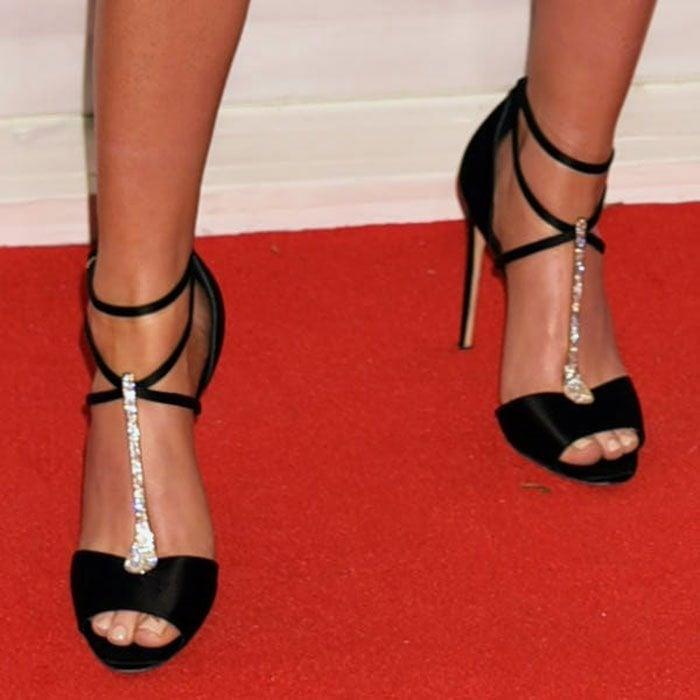 Ellie-Goulding-Brian-Atwood-Avice-Satin-Embellished-T-Strap-Sandals