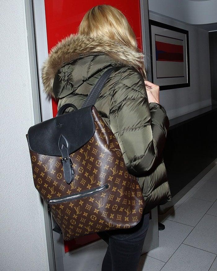 Heidi-Klum-Louis-Vuitton-backpack