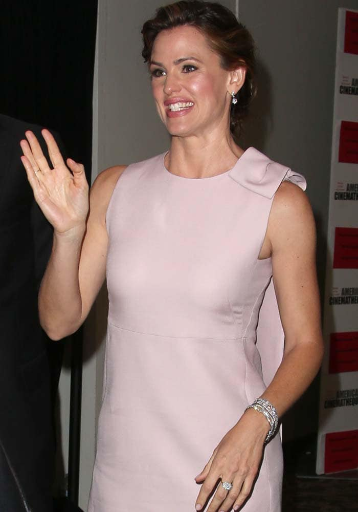 Jennifer Garner's awkward smile at the 29th American Cinematheque Awards
