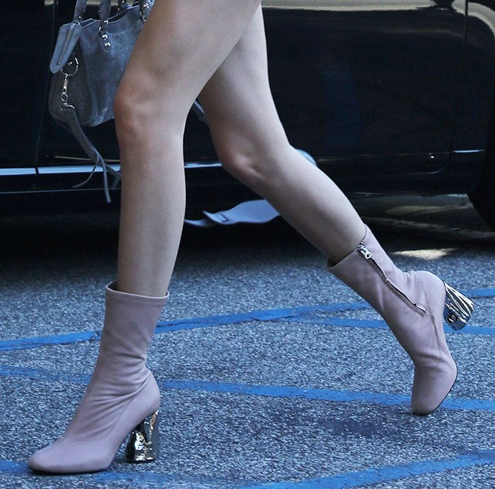 Kendall-Jenner-Acne-Studios-Odessa-Boots-1