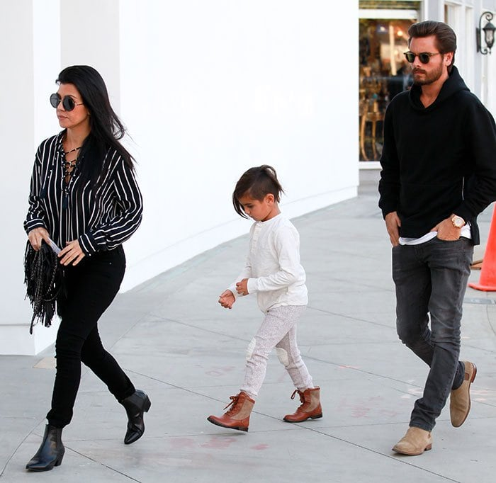 Fans are speculating that Kourtney Kardashian and Scott Disick are getting back together