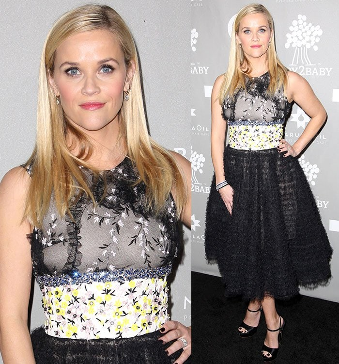 Reese Witherspoon wears Neil Lane jewelry and black nail polish