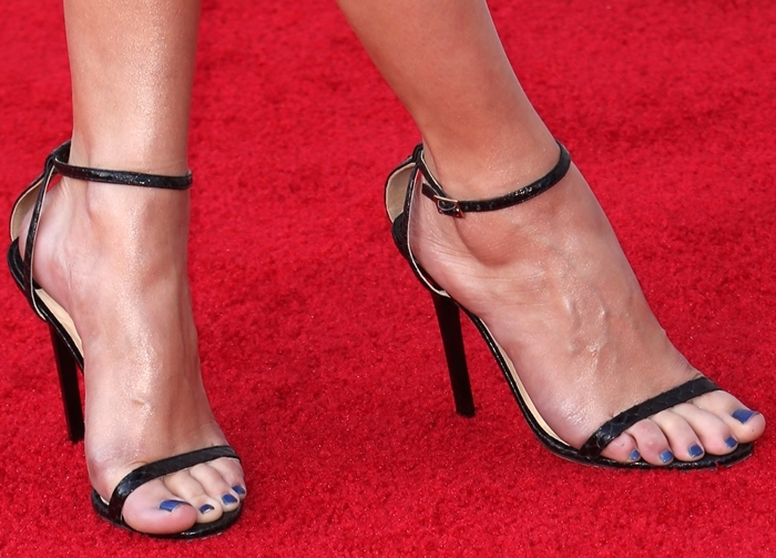 Selena Gomez shows off her feet on the red carpet