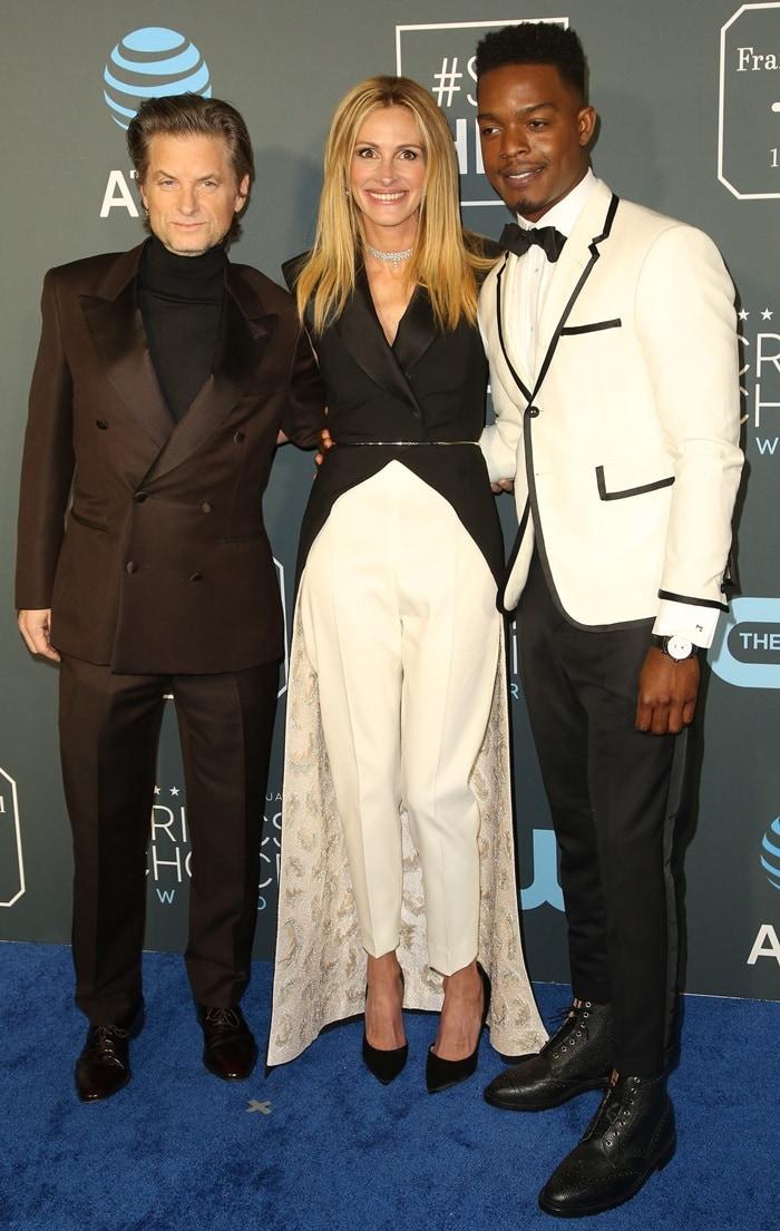 Shea Whigham, Julia Roberts, and Stephan Jamesat the 2019 Critics' Choice Awards held at Barker Hangar in Santa Monica, California, on January 13, 2019
