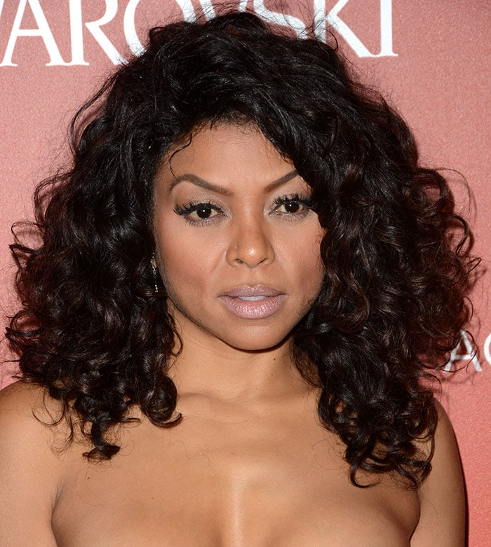 Taraji P. Henson wears her curly hair down at the 18th Annual Accessories Council ACE Awards