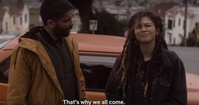 Zendaya as Fola Uzaki and Kingsley Ben-Adir as Karim Washington in the first episode of The OA's second season