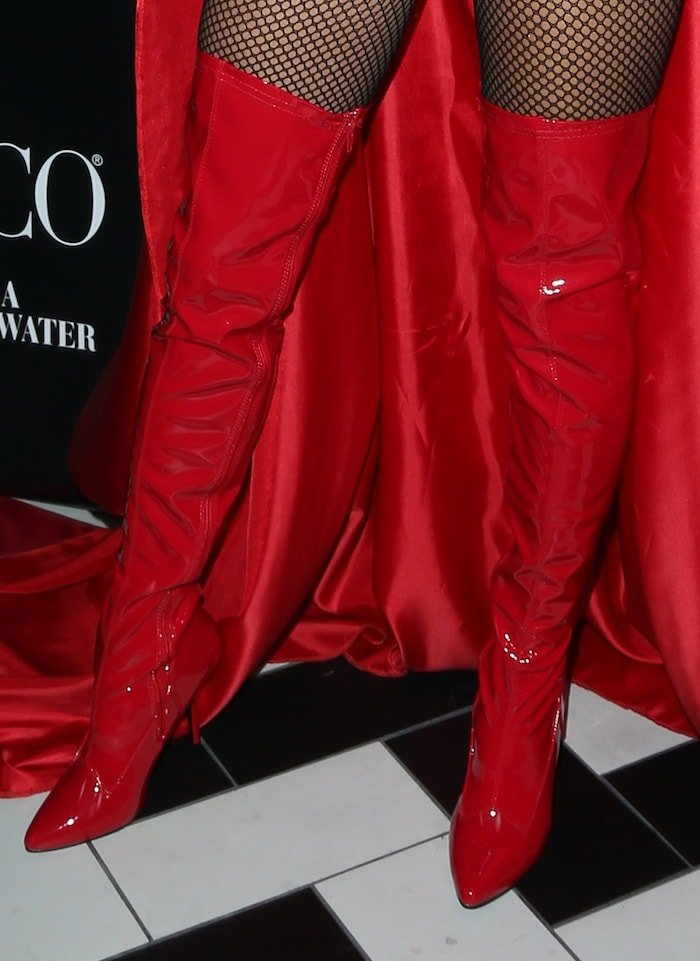 Alessandra Ambrosio's feet in red boots
