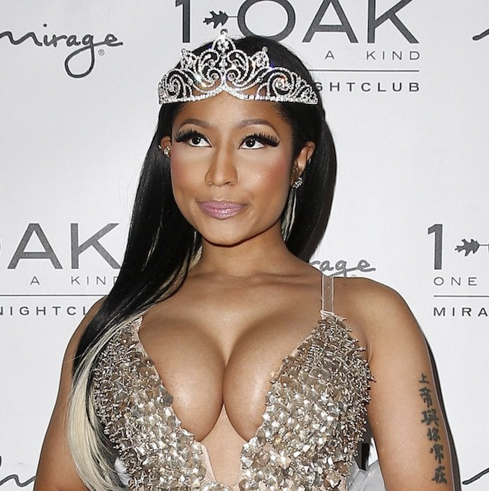 Nicki Minaj completed her look with the necessary fairy princess accessories of course, a sparkling wand and tiara