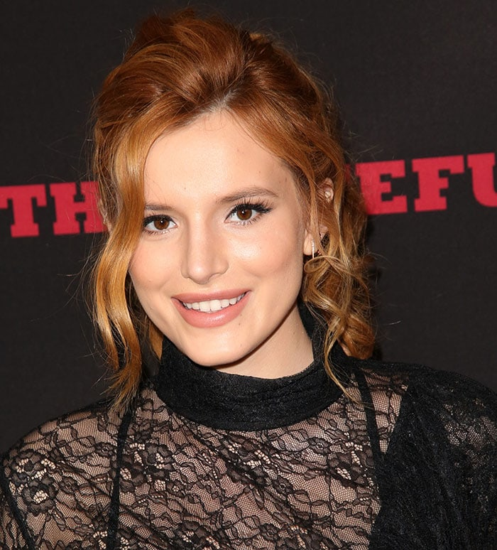"""Bella Thorne wears her red hair in curls at the premiere of The Weinstein Company's """"The Hateful Eight"""""""