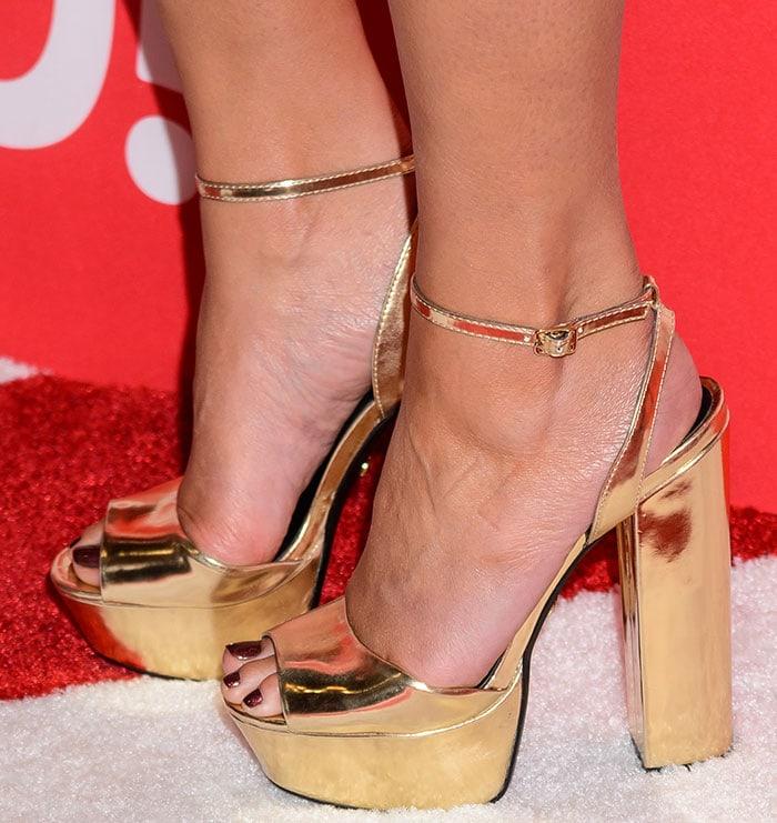 Chrissy Teigen's feet in Kurt Geiger sandals