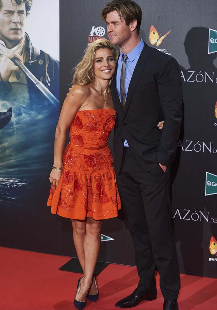 Elsa Pataky and Chris Hemsworth pose on the red carpet