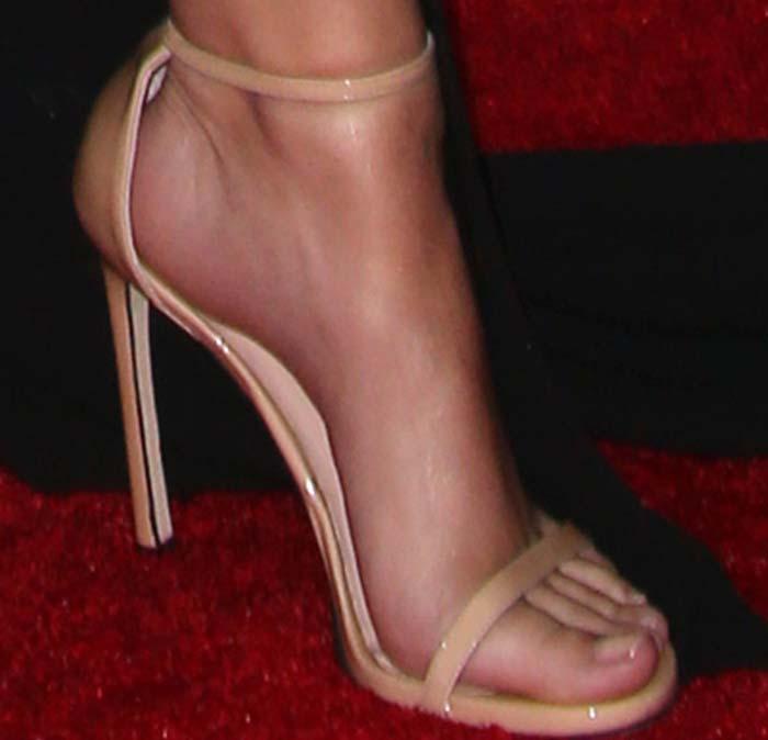 Emily Ratajkowski's feet in Stuart Weitzman sandals