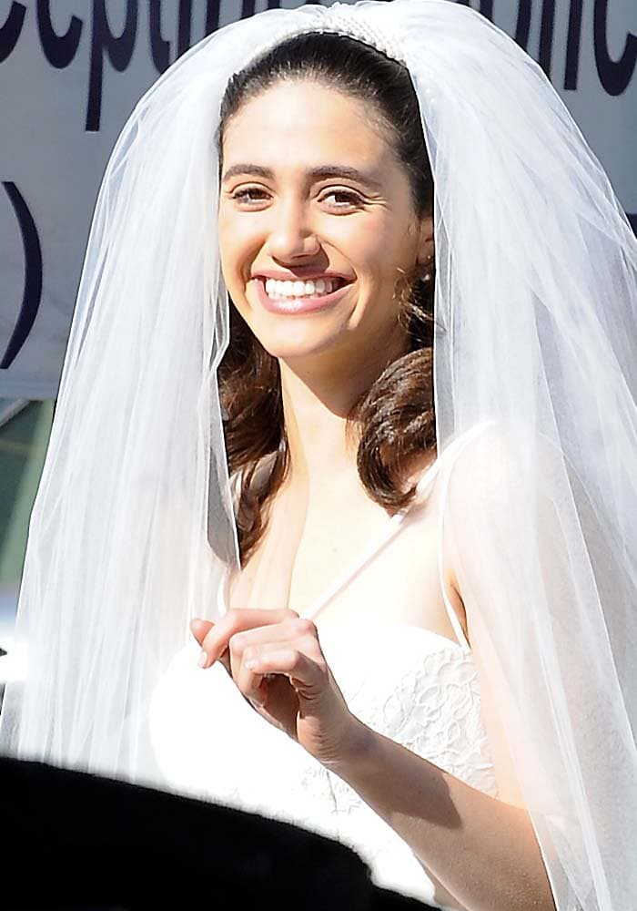 Emmy Rossum gets married on the set of Shameless