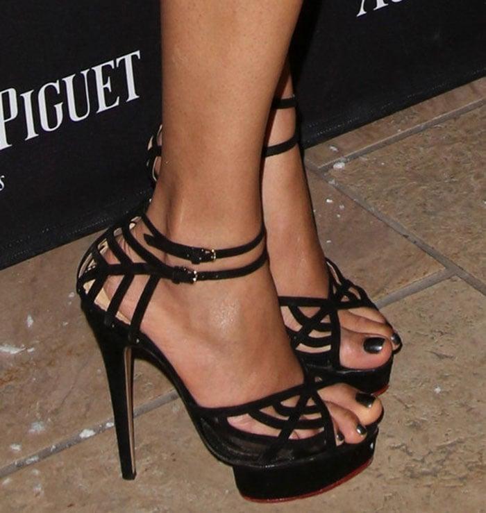 "Freida Pinto's feet in ""Octavia"" high heel shoes"