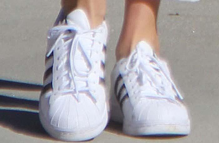 Gigi Bella Hadid Shopping Adidas Balenciaga 3