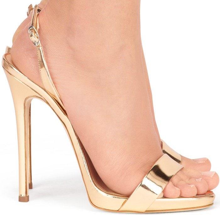 76ab2dd8cb6 Naomie Harris in Silver Giuseppe Zanotti Slingback Sandals