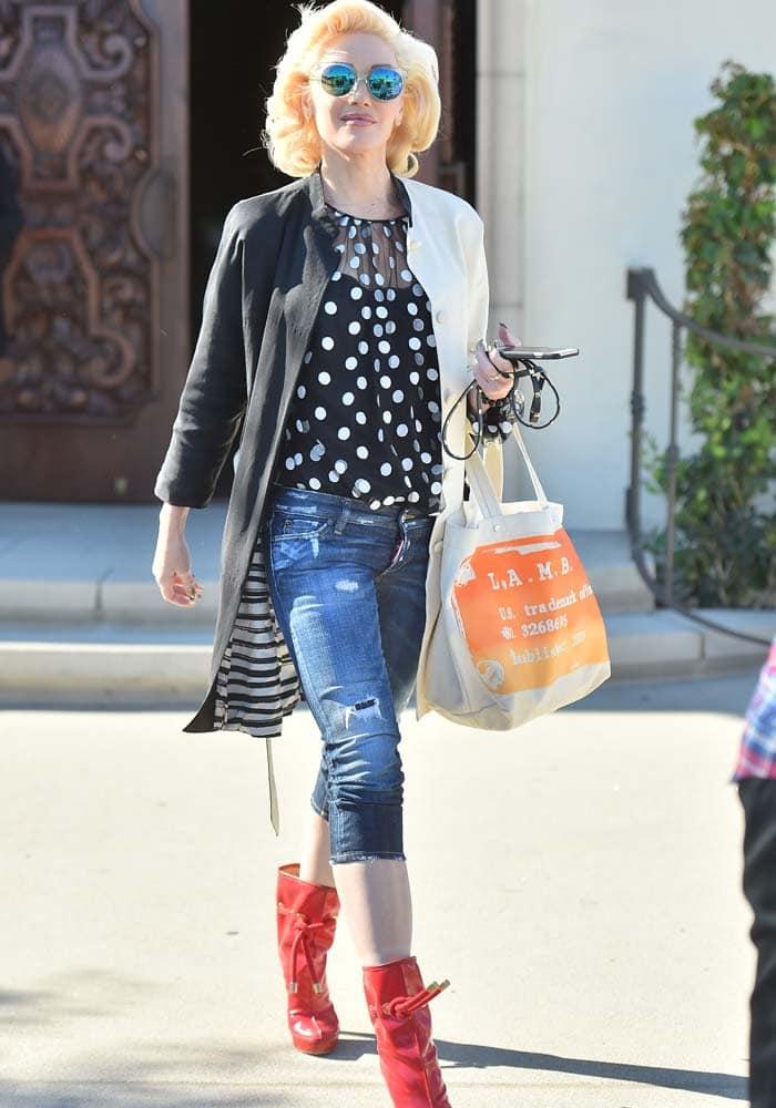 Gwen Stefani Church DSquared2 4