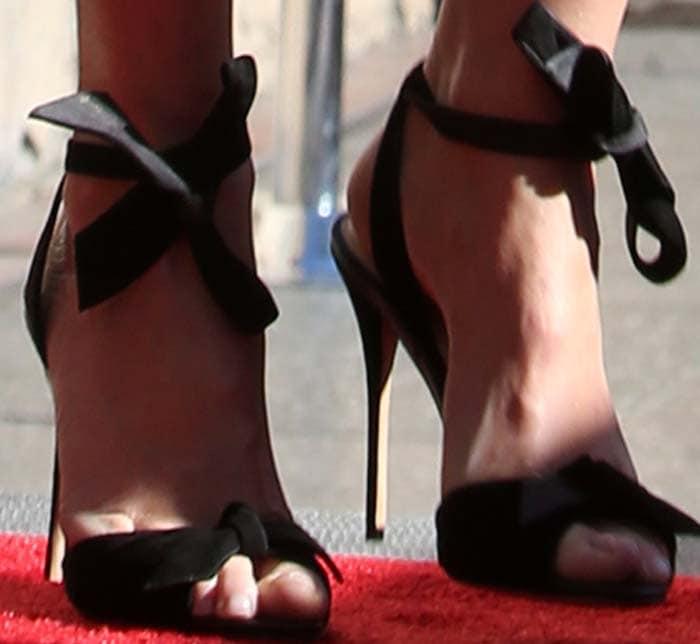 Gwyneth Paltrow's feet in Alexandre Birman heels