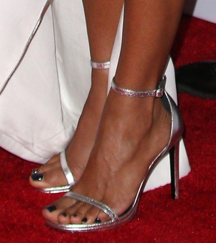 Jada Pinkett Smith's feet in Saint Laurent sandals