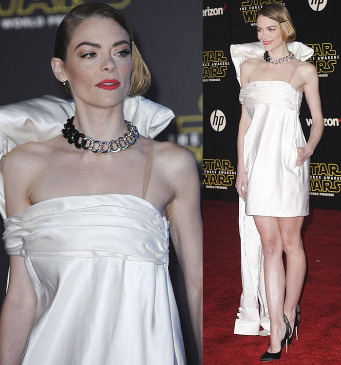 """Jaime King wears a chunky chain necklace and a Monse dress at the premiere of """"Star Wars: The Force Awakens"""""""
