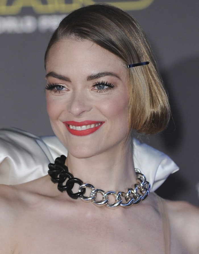 Jaime-King-side-parted-pinned-back-hair-coral-lipstick