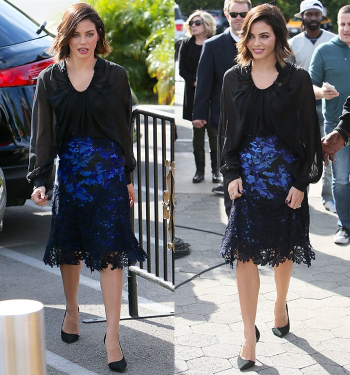 Jenna Dewan-Tatum shows off her shorter hairstyle as she arrives for an interview with Mario Lopez