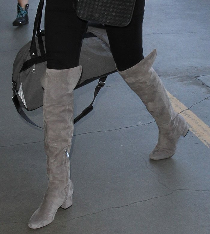 Kate Upton Travels Stylishly In Sam Edelman Elina Boots