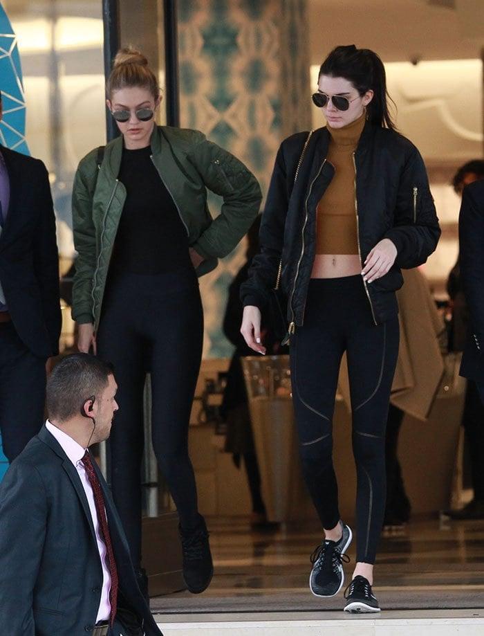Kendall-Jenner-Gigi-Hadid-Beverly-Hills-shopping-1