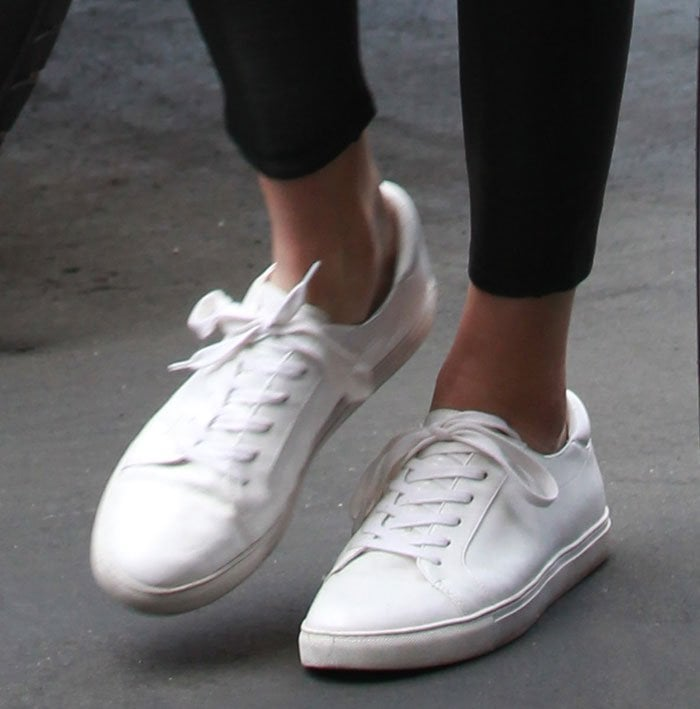 Kendall Jenner's feet in Kenneth Cole Kam sneakers