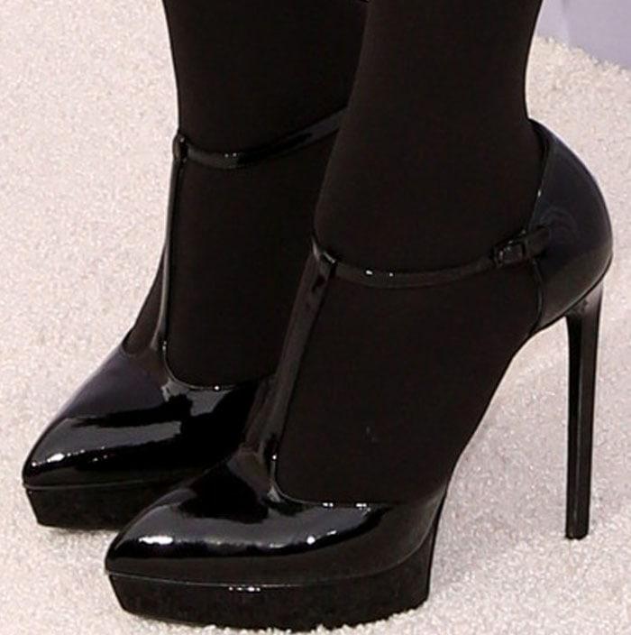 Kris Jenner's feet in Saint Laurent pumps
