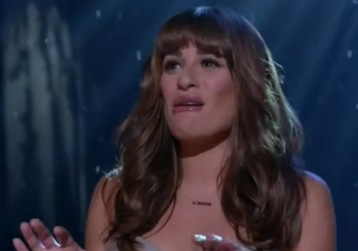 """Lea Michele ends the hour-long Loser Like Me episode of Glee by singing the hit song """"Let It Go"""" from Frozen"""