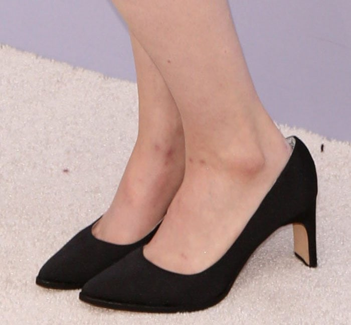 Lena Dunham's feet in Matt Bernson shoes