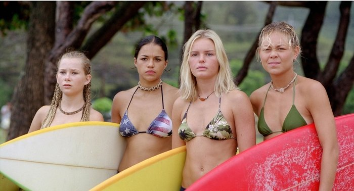 Mika Boorem (as Penny Chadwick), Michelle Rodriguez (as Eden), Kate Bosworth (as Anne Marie Chadwick), Sanoe Lake (as Lena) in Blue Crush