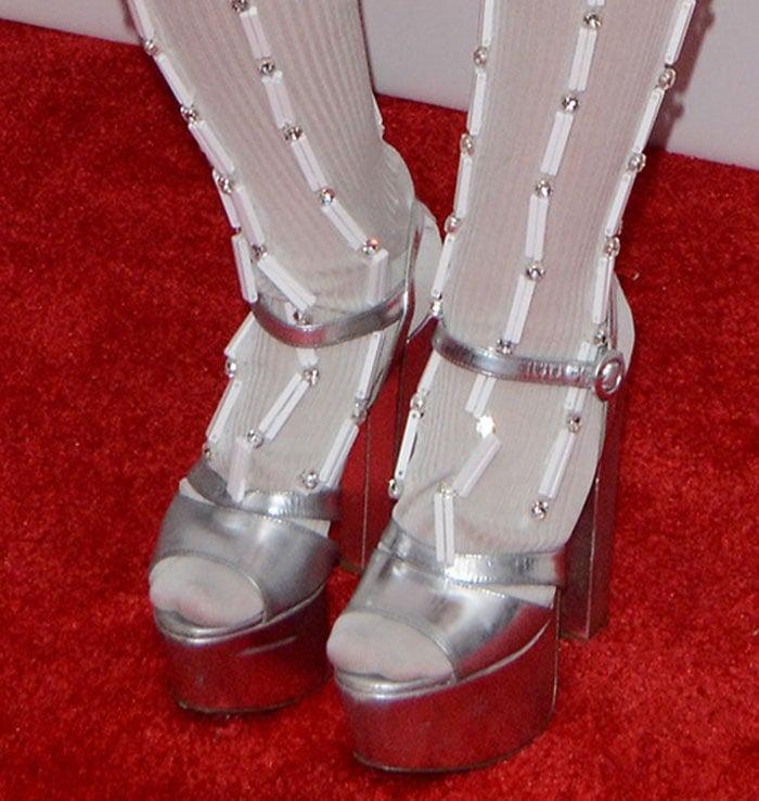 Miley Cyrus's feet in Prada sandals