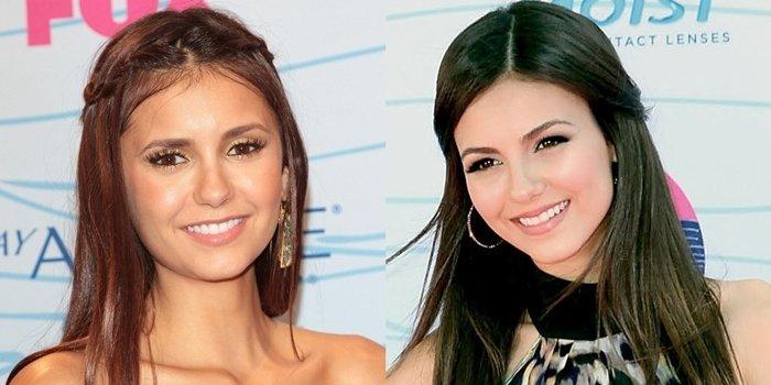 Nina Dobrev (L) and Victoria Justice (R) at the 2012 Teen Choice Awards