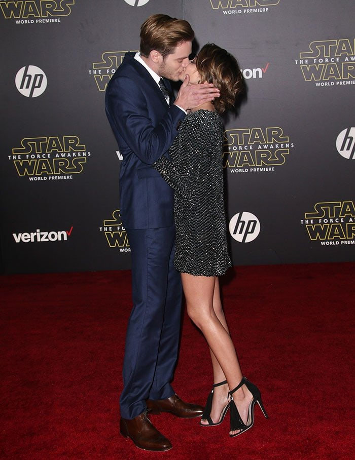 Sarah Hyland and her boyfriend Dominic Sherwood couldn't keep their hands off each other